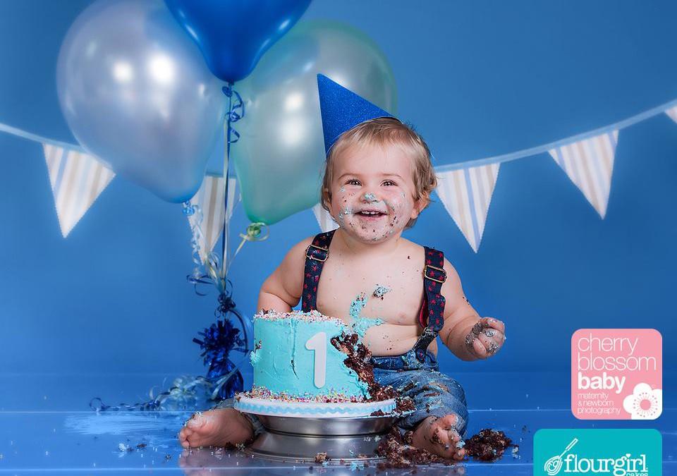 Josh – cake smash!